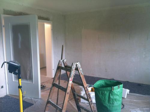 DEcke gestrichen Wandflächen gespachtelt